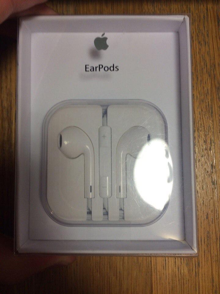 Наушники Apple EarPods MD827ZMB