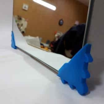 Уголок для защиты кромки стекла и зеркал от повреждений